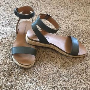Never use! Lucky brand size 7.5